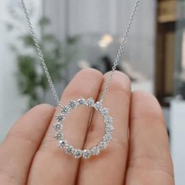 レディース ホワイトゴールド CZダイヤ 丸型 ネックレス