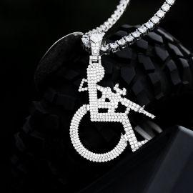 ホワイトゴールド 車椅子マン ペンダント